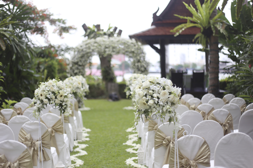 7 Things to Consider When Choosing an Outdoor Wedding Venu